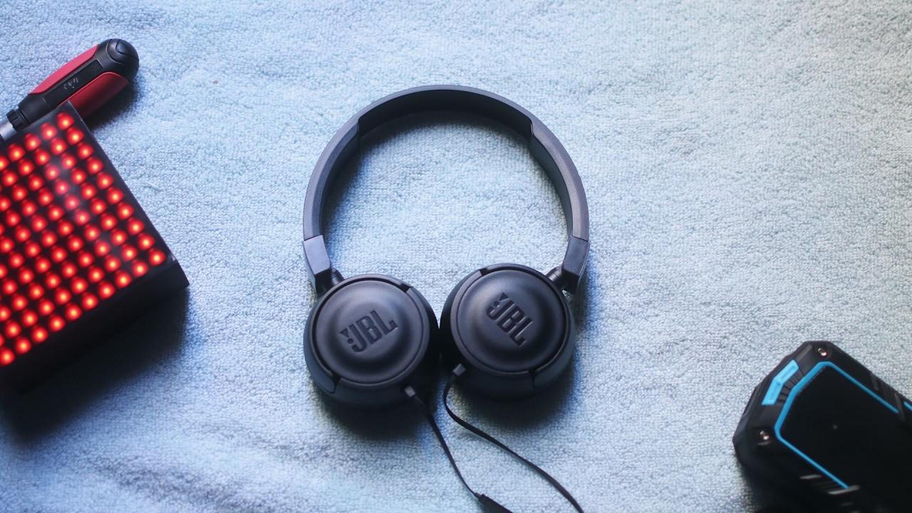 JBL T450 Kulak Üstü Kulaklık Kutu Açılımı | İnceleme